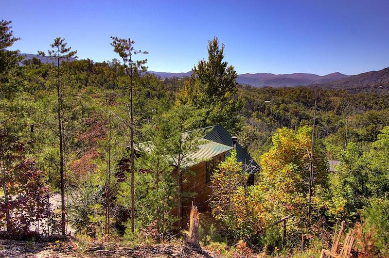 A birds eye view of Tina Marie's one-bedroom rental - a pet friendly cabin for two in Gatlinburg TN